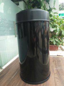 thùng rác thông minh cảm biến mở nắp